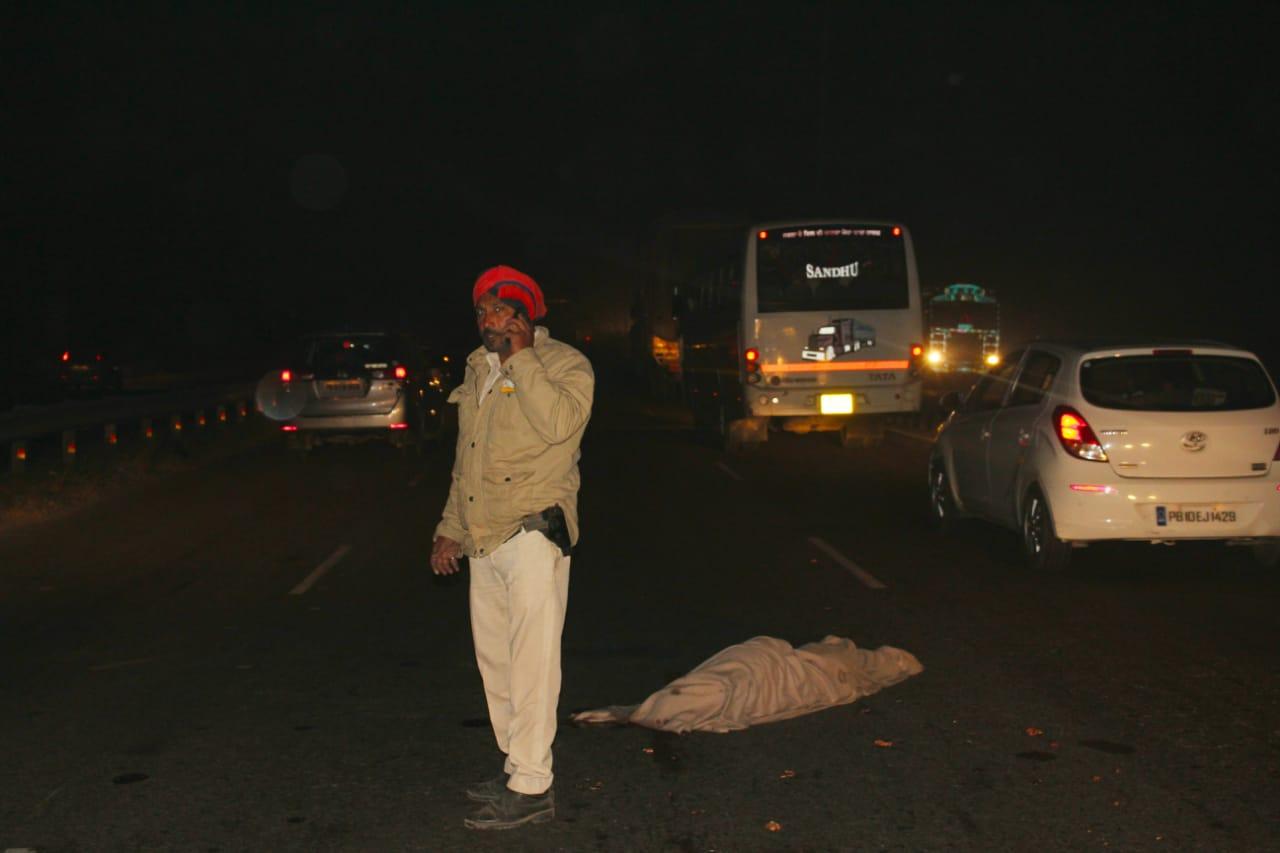 लुधियाना में पैदल जा रहे व्यक्ति को वाहन ने कुचला. लाश देखकर हर कोई रह गया सन्न