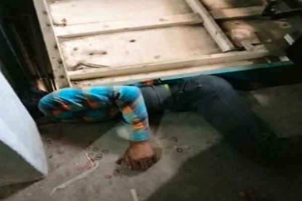 फैक्टरी में सफाई करते समय हादसे का शिकार हुआ युवक, लिफ्ट के नीचे दबने से दर्दनाक मौत