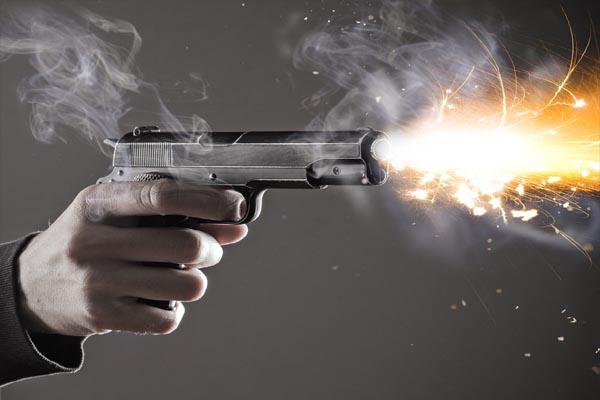 कोर्ट में चल रही थी मामले की सुनवाई, जज के सामने ही आरोपी की गोली मारकर हत्या