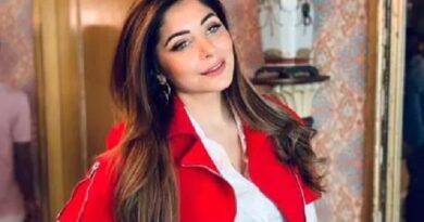 बॉलीवुड की ये मशहूर गायिका भी आई कोरोना की चपेट में, संपर्क में आए नेताओं में मचा हड़कंप