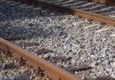 भरी पंचायत में लगाया चरित्र पर आरोप, तीन बच्चों समेत महिला ने ट्रेन के आगे कूदकर दे दी जान, टुकड़ों में बंटे शरीर