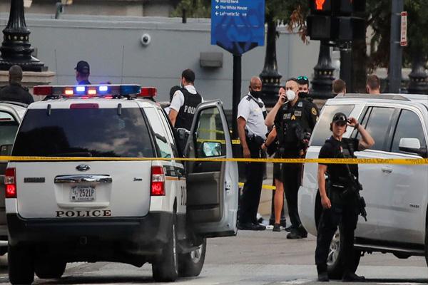 अमेरिका में ट्रंप की प्रेस वार्ता के दौरान व्हाइट हाउस के बाहर हुई गोलीबारी, मचा हड़कंप-राष्ट्रपति को सुरक्षित स्थान ले जाया गया