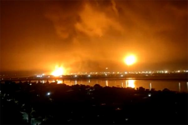 ONGC प्लांट में लगातार हुए तीन जबरदस्त धमाकों के बाद लगी भंयकर आग, एहतियात के तौर पर सभी टर्मिनल बंद- लोगों में भय और अफरातफरी