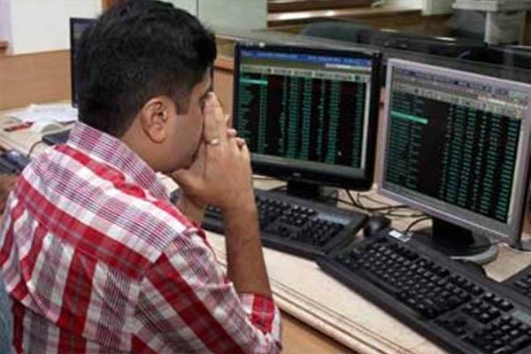शेयर बाजार में बड़ी गिरावट, 1145 अंक टूटा सेंसेक्स, निवेशकों के लगी 3.72 लाख करोड़ की चपत