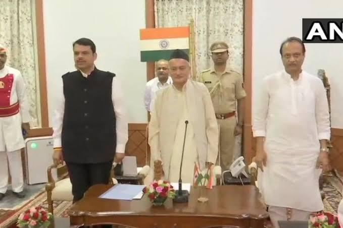 महाराष्ट्र में रातोंरात बदला खेल,शिव सेना को झटका, BJP ने NCP संग बनाई सरकार, फडणवीस बने दोबारा सीएम, राजभवन में राज्यपाल ने दिलाई शपथ