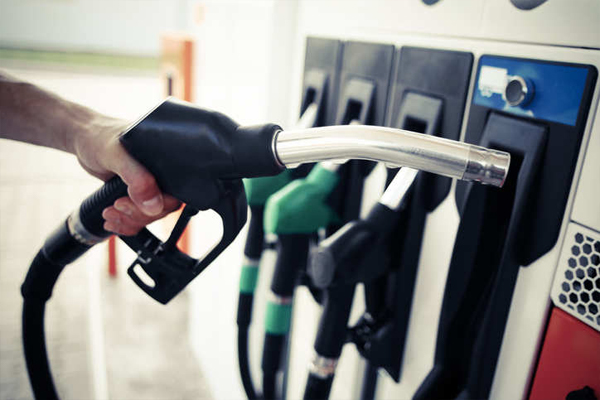 आम आदमी को झटका, लगातार 5वें दिन बढ़े पेट्रोल-डीजल के दाम