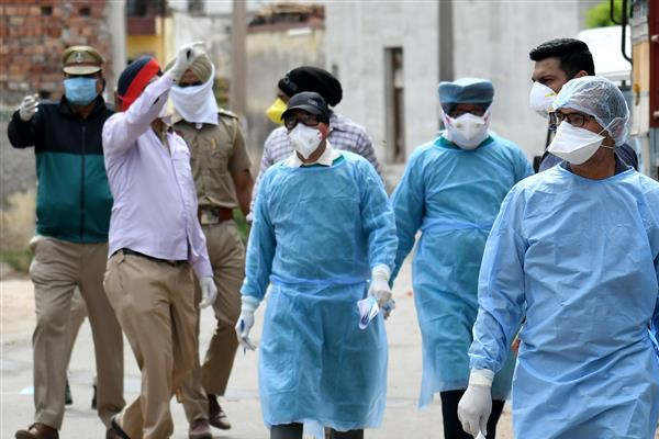 पंजाब में दोबारा रफ्तार पकड़ने लगा कोरोना, 15 लोगों की मौत, इतने लोग मिले पॉजिटिव