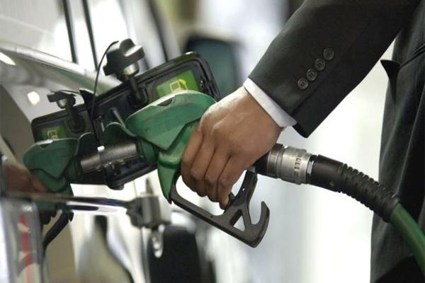 Read more about the article झटका: लगातार 7वें दिन भी बढ़े पेट्रोल-डीजल के दाम, जानें नए रेट्स