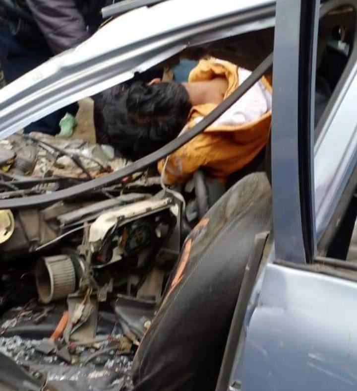 होशियारपुर : तलवाड़ा-मुकेरियां रोड़ पर करतार बस और कार की जबरदस्त टक्कर, बच्चें समेत एक ही परिवार के चार लोगों की मौत