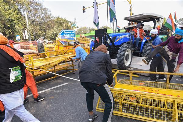 बड़ी खबरः  ट्रैक्टर परेड हिंसा के बाद किसान नेताओं में दरार, दो संगठनों ने किया आंदोलन से अलग होने का ऐलान; राकेश टिकैत, योगेंद्र यादव समेत बड़े-बड़े नेताओं के खिलाफ FIR दर्ज