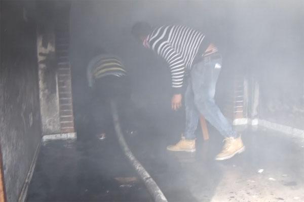 जालंधर के दिलबाग नगर में लगी भयानक आग, लाखों रुपए का स्पोर्ट्स का सामान जलकर राख