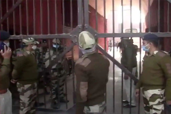 राजधानी में ट्रैक्टर परेड के दौरान हुई हिंसा मामले की जांच करेगी क्राइम ब्रांच, अब तक 200 लोग हिरासत में- 22 के खिलाफ FIR दर्ज