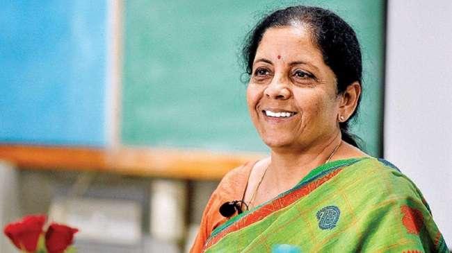 न ब्रीफकेस, न बहीखाता, सीतारमण ने टैबलेट से पढा बजट भाषण; पढ़ें वित्त मंत्री के बड़े ऐलान