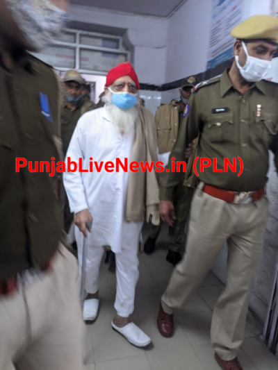 संत श्री आशाराम जी बापू की अचानक बिगड़ी तबीयत.  महात्मा गांधी अस्पताल की इमरजेंसी में भर्ती. जांच में जुटी डॉक्टरों की टीम