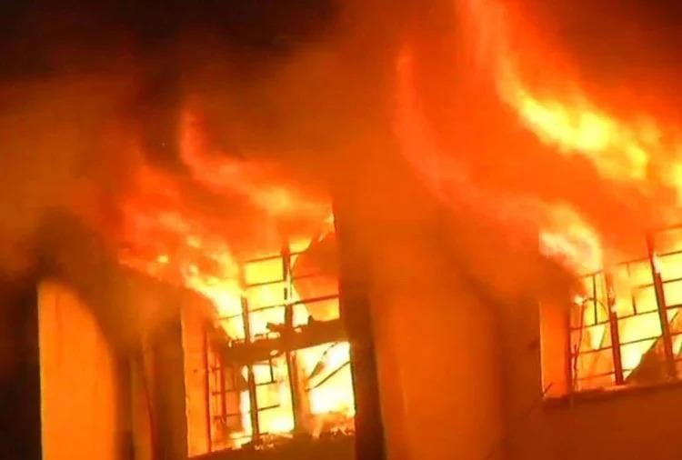 पटाखा बनाने के लिए मिलाया जा रहा था केमिकल, तभी अचानक हुए विस्फोट में 11 लोगों ने गंवाई जान