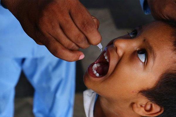 बड़ी लापरवाही: 12 बच्चों को पोलियो ड्रॉप की जगह पिला दिया सैनिटाइजर, सभी अस्पताल में भर्ती