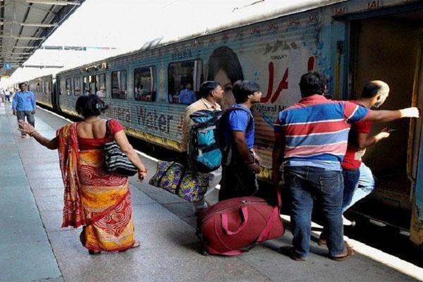 Good News: यात्रियों के लिए रेलवे लाई बड़ी सौगात, होली से पहले शुरू हो रही हैं ये 11 ट्रेन