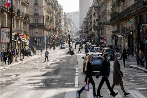 फ्रांस में कोरोना की तीसरी लहर, पेरिस समेत कई इलाकों में लगा एक महीने का Lockdown