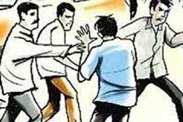 जालंधर में गुरुनानकपुरा फाटक के पास दो गुटों में भिड़ंत, पुलिस के पहुंचने पर दोनों पक्ष के आरोपी फरार- हथियार बरामद