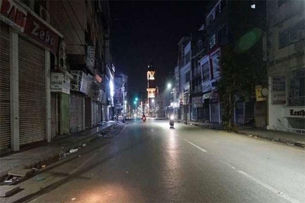कोरोना का कहरः पंजाब के बाद चंडीगढ़ में भी लगा नाइट कर्फ्यू, रात 10 से सुबह 5 बजे तक रहेगी पाबंदी