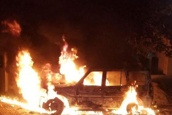 पंजाब में गुंडागर्दी का नंगा नाच, बदमाशों ने परिवार समेत कार को किया आग के हवाले, बाल-बाल बची जान