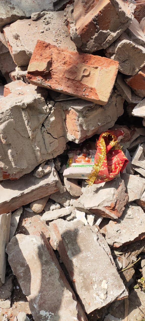 जालंधर में शरारती तत्वों ने तोड़ा हिन्दू मन्दिर,  देवी देवताओं की टूटी मूर्तियां देख भड़क उठे हिन्दू नेता, जबरदस्त विरोध प्रदर्शन, मौके पर पहुंचे डीएसपी और एसीपी