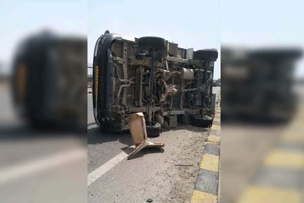 जालंधर में सड़क हादसा, सवारियों ने भरा छोटा हाथी टैंपों पलटने से 16 लोग घायल