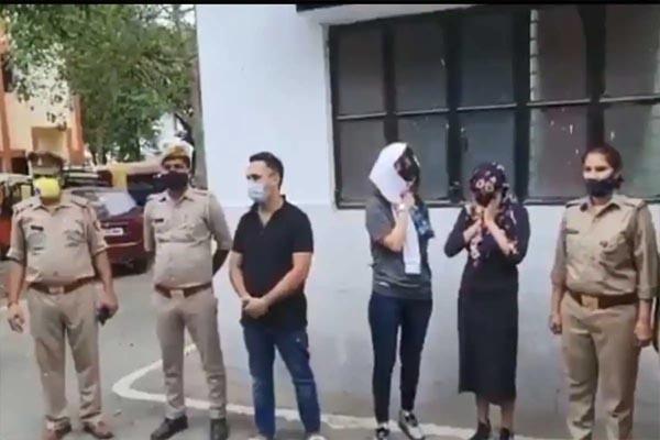 विकेंड लॉकडाउन के दौरान फार्म हाउस से पकड़े गए 61 लड़के और 15 लड़कियां, पुलिस को इस हाल में मिले