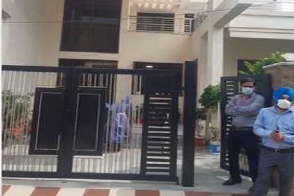 पंजाब में दिनदहाड़े बंदूक की नोक पर लूटा Muthoot Finance के क्षेत्रीय प्रबंधक का परिवार, सभी सदस्य दहशत में