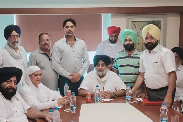 Digital Media Association ने की पूर्व उपमुख्यमंत्री स. सुखबीर सिंह बादल से मुलाकात, डिजिटल मीडिया से जुड़े पत्रकारों के हक़ के लिए उठाई आवाज