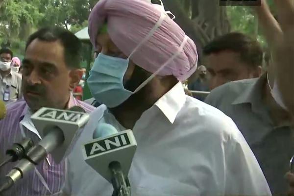 कांग्रेस में अंदरूनी कलह के बीच सोनिया गांधी से मिले कैप्टन अमरिंदर, कहा- सिद्धू के बारे पता नहीं, सरकार और पॉलिटिक्स पर हुई बात