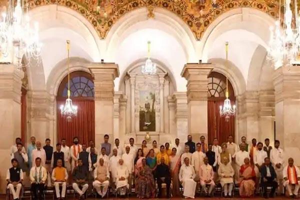 मोदी सरकार के 42 फीसदी मंत्री हैं दागी और 90 प्रतिशत हैं करोड़पति, रिपोर्ट में खुलासा