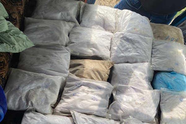Read more about the article कपूरथला में चल रहे बड़े ड्रग सिंडिकेट का भंडाफोड़, 100 करोड़ की हेरोइन समेत दो तस्कर काबू