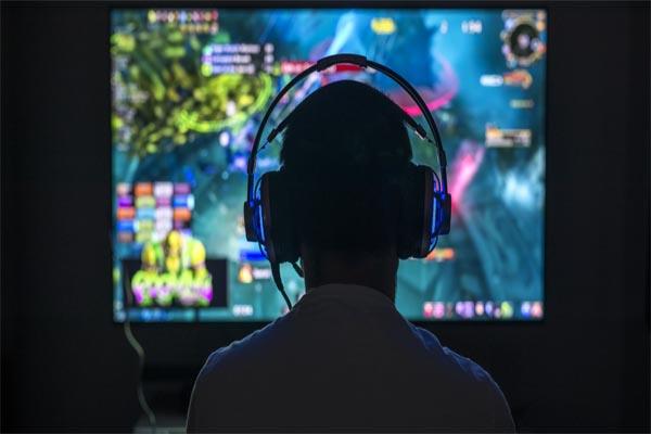 Read more about the article ऑनलाइन गेमिंग पर शिकंजा, हफ्ते में तीन घंटे से ज्यादा वीडियो गेम नहीं खेल सकेंगे बच्चे