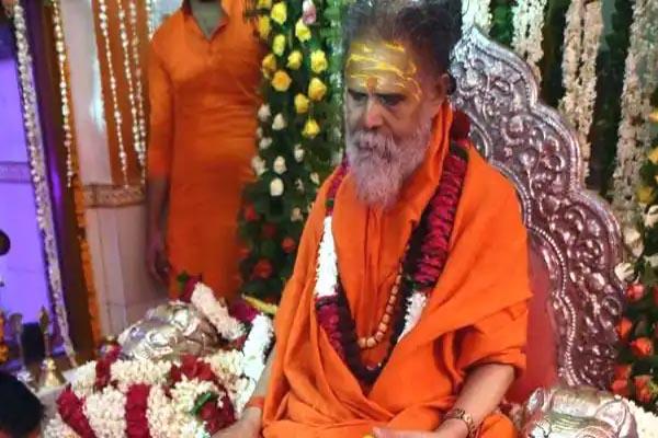 You are currently viewing नरेंद्र गिरी की मौत से हिंदुओं में खुशी की लहर, बोले – नरेंद्र गिरीनिकला खुद फर्जी संत, संतो को सताने की मिल गई सजा