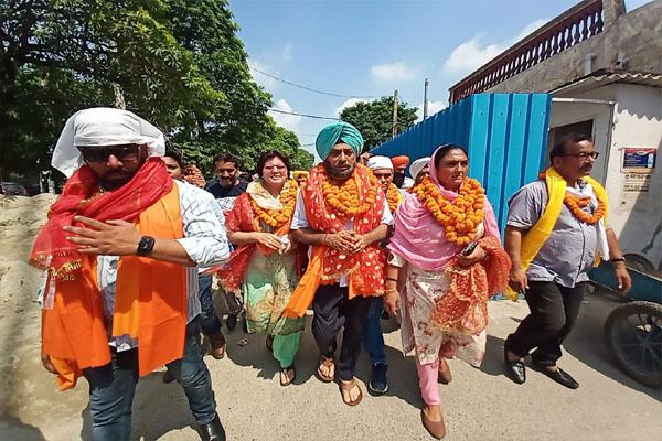 Read more about the article सुरिंदर सिंह सोढ़ी जालंधर कैंट से बने हल्का इंचार्ज, बोले- मैं आम आदमी पार्टी की नीतियों को घर-घर तक पहुचाऊंगा