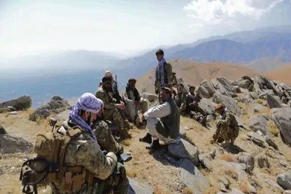 Read more about the article पंजशीर के लड़ाकों से पंगा लेना तालिबान को पड़ा महंगा, खूनी खेल में 700 तालिबानी ढेर; 600 को किया कैद