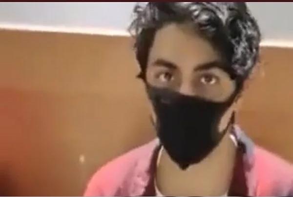 Read more about the article बड़ी खबर: क्रूज ड्रग्स केस में शाहरुख खान के बेटे को 14 दिनों की न्यायिक हिरासत में भेजा गया