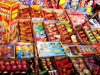 Read more about the article पंजाब में पटाखे बेचने पर नहीं रहेगा प्रतिबंध, व्यापारियों को लिखित आदेश का इंतजार