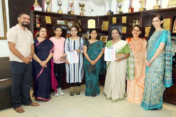 You are currently viewing HMV की छात्राओं ने उन्नत भारत अभियान के तहत वीडियो मेकिंग प्रतियोगिता में जीता पुरस्कार