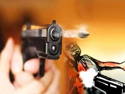 Read more about the article आतंकियों की कायराना हरकत : श्रीनगर में स्कूल में घुसकर प्रिंसिपल और शिक्षक की गोलियां मारकर हत्या