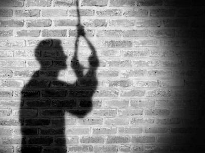 Read more about the article अमृतसर : पिता की मौत से मानसिक तौर पर परेशान निजी इंस्टीट्यूट के टीचर ने घर में फंदा लगा दी जान