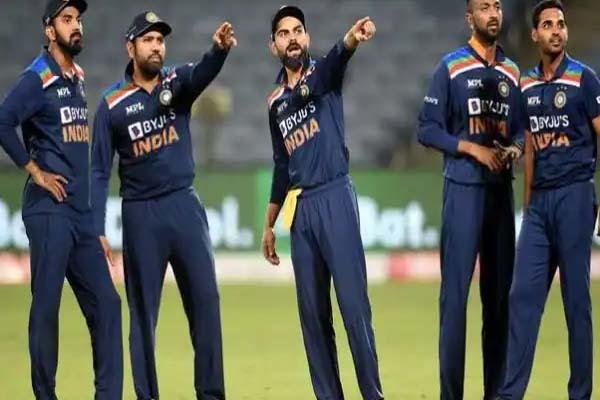 Read more about the article T20 वर्ल्ड कप के बाद कौन बनेगा भारतीय क्रिकेट टीम का हेड कोच? एक क्लिक में जानिए