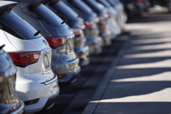 Read more about the article 15 साल पुराने वाहनों के रजिस्ट्रेशन रिन्यूअल फीस में 8 गुना इजाफा, इस महीने से लागू होगा नियम